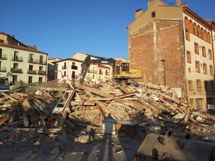 Finaliza el derribo del edificio de la Ronda de Ambeles de Teruel que se encontraba en mal estado