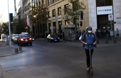 Chile confirma siete muertos por coronavirus mientras los casos ya superan los 2.000