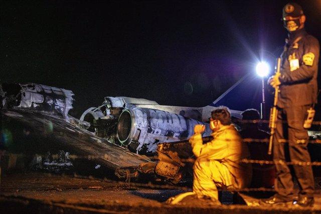 Coronavirus.- Ocho muertos al estrellarse un avión que trasladaba a un enfermo d
