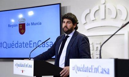 """López Miras ve """"competencia"""" entre CCAA por el material sanitario y pide revisar cómo se hacen los envíos"""