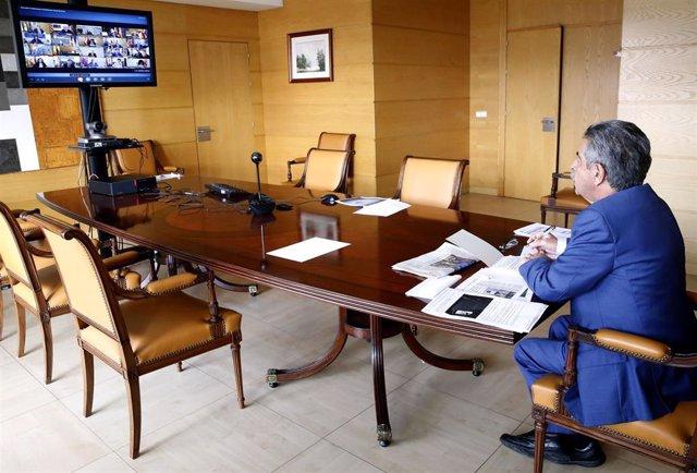 Revilla en la coferencia telemática de Pedro Sánchez con los presidentes autonómicos