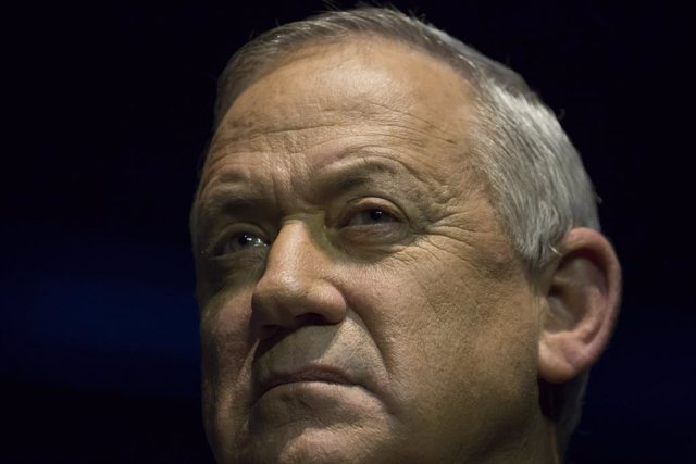 Israel.- El acuerdo de gobierno Gantz-Netanyahu rompe la coalición Azul y Blanco