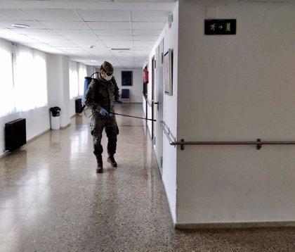 El Ejército de Tierra desinfecta instalaciones del Centro Residencial Infantas Elena y Cristina de Ávila