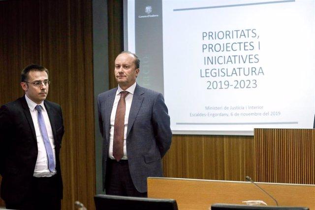 El secretario de Estado de Andorra y el ministro de Justicia e Interior, Joan León y Josep Maria Rossell, durante una comparecencia en sede parlamentaria (Archivo)