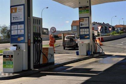 """Los gasolineros piden unos servicios mínimos para evitar """"la quiebra"""" y el desempleo"""" en el sector"""