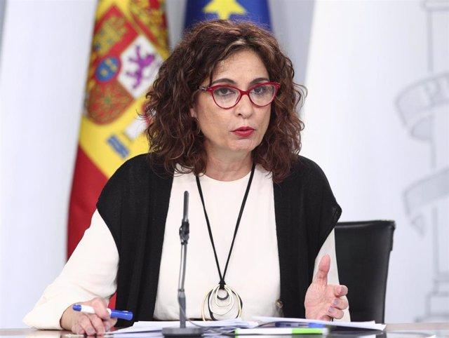 La ministra de Hacienda, María Jesús Montero, interviene en la rueda de prensa posterior al Consejo de Ministros convocada ante los medios para informar sobre el coronavirus, en La Moncloa, Madrid (España), a 10 de marzo de 2020.