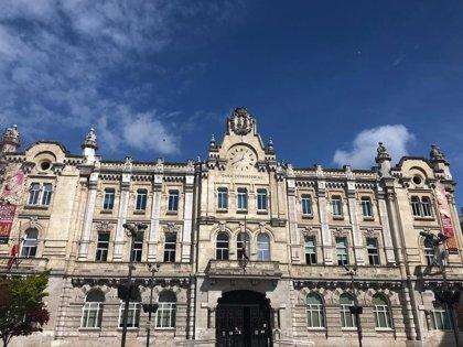 Las banderas del Ayuntamiento de Santander ondean a media asta por los fallecidos