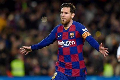 Messi confirma que los jugadores se bajan el sueldo un 70% y que ayudarán a los empleados del Barça