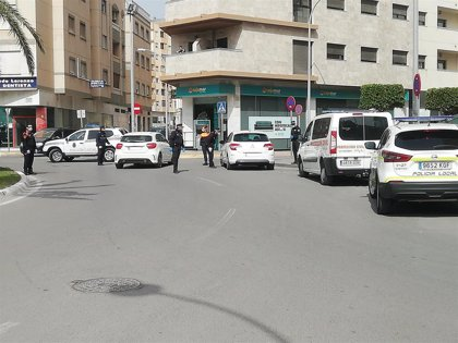 Detenido en El Ejido (Almería) por amenazar e insultar por teléfono a la policía tras ser multado por estar en la calle