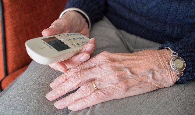 Foto de recurso de servicio de ayuda a domicilio y de persona mayor.