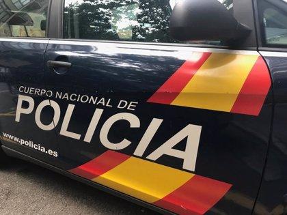 La Policía Nacional detiene a una mujer por forzar y acceder a un establecimiento en Palma