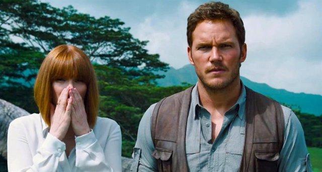 Chris Pratt y Bryce Dallas Howard en Jurassic World