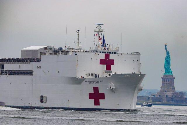 Coronavirus.- Llega a Nueva York el buque hospital 'USNS Comfort'