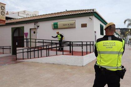 La UME desinfecta los centros de salud de Almuñécar y La Herradura (Granada)