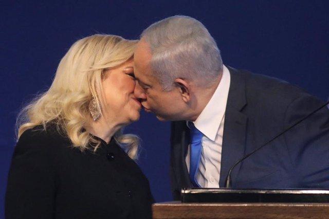 El primer ministro de Israel, Benjamin Netanyahu, y su esposa, Sara