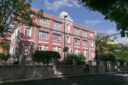 Canarias prosigue la ralentización y suma 1.262 casos aunque los fallecimientos suben a 55