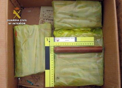 Guardia Civil destruye distintos materiales pirotécnicos y explosivos hallados en una vivienda de Pliego