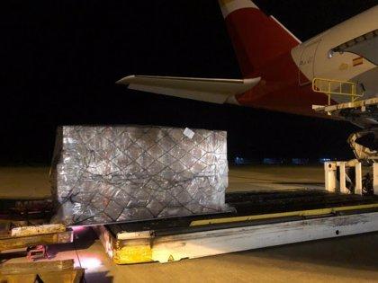 Llega el segundo vuelo con 30 toneladas de productos sanitarios del corredor aéreo con China