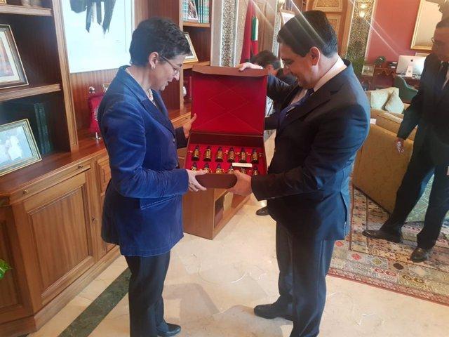 La ministra de Asuntos Exteriores, Unión Europea y Cooperación, Arancha González Laya y el ministro de Exteriores marroquí, Nasser Bourita, durante su reunión en la visita de la ministra a Marruecos, en Rabat (Marruecos), a 24 de enero de 2020.