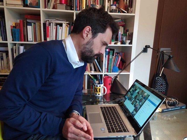 El presidente del Parlament, Roger Torrent, en una reunión telemática de la Mesa de la Cámara catalana.