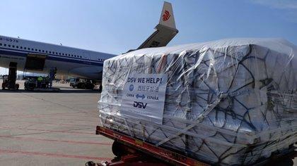 Llegan dos vuelos de China con casi un millón de mascarillas, más de 10.000 monos EPI y gafas encargadas por el Consell