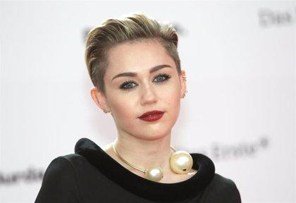 Miley Cyrus se corta el pelo durante la cuarentena y revoluciona a sus fans