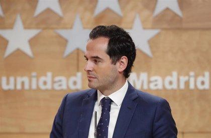 """Aguado admite que ha habido """"imprevistos"""" con los aviones que tenían que llegar desde China"""