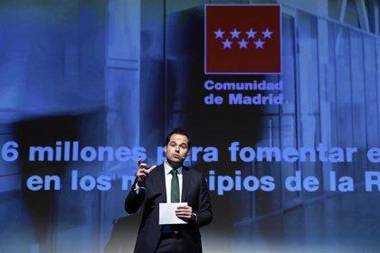"""Aguado cree que Sánchez plantea que los autónomos """"se endeuden"""" y quiere que la Comunidad asuma las cuotas"""