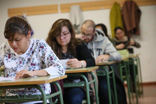 Aspirantes al cuerpo de maestros, el año pasado durante los exámenes en Castilla-La Mancha.
