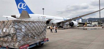 Enaire da prioridad a los vuelos de carga con material sanitario y de repatriación