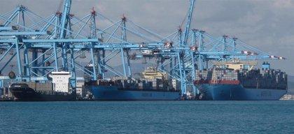 El Puerto de Algeciras (Cádiz) paraliza actividad por falta de trabajadores, que piden un plus durante estado de alarma