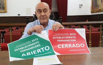 El Ayuntamiento de Úbeda (Jaén) edita carteles para identificar los negocios que pueden abrir