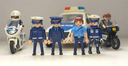 La Policía de Málaga lanza un vídeo con figuras de Playmobil para pedir a la gente que se quede en casa