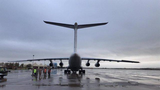 Avión IL-76 en la base de Torrejón procedente de Shangáis con material sanitario para frenar el COVID-19
