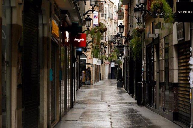 La calle Trapería, vacía durante el estado de alarma, en Murcia (España) a 22 de marzo de 2020.