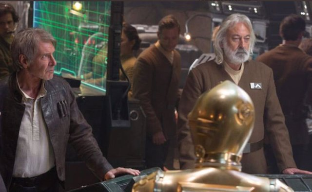 Andrew Jack junto a Harrison Ford en Star Wars: El despertar de la Fuerza