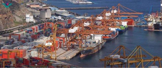Contenedores en el puerto de Santa Cruz de Tenerife