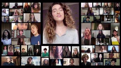 Un coro italiano de estudiantes de Roma se reúne desde sus casas para cantar 'Helpless Hoping' a capella
