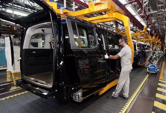 Producción de vehículos en una planta de automoción