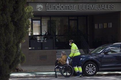 """""""Medicalizado"""" un centro de personas mayores de Sevilla tras dar positivo por coronavirus el 69% de sus residentes"""