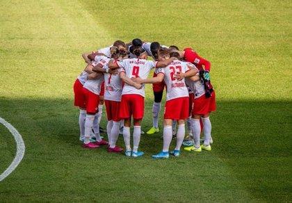 Jugadores del Leipzig renuncian a parte de su sueldo para apoyar a los empleados