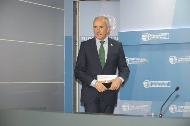 El portavoz del Gobierno Vasco, Josu Erkoreka, en la rueda de prensa posterior al consejo de Gobierno