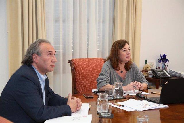 La presidenta del Govern, Francina Armengo, y el conseller de Educación, Martí March, en la reunión telemática.
