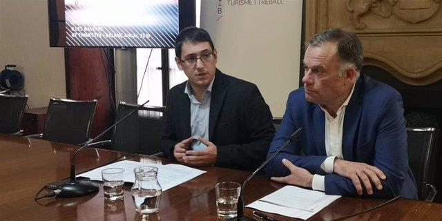 El conseller de Modelo Económico, Turismo y Trabajo, Iago Negueruela, y el director general de Modelo Económico y Ocupación, Llorenç Pou.