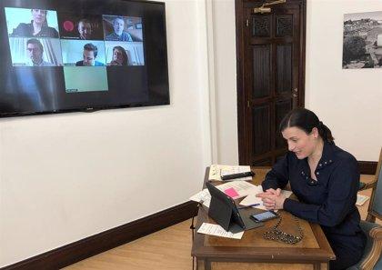 La alcaldesa de Santander prepara el plan de choque con los agentes económicos de la ciudad
