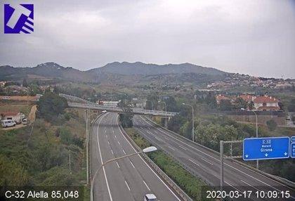 El tráfico en el entorno de Barcelona cae un 76% respecto a lo habitual