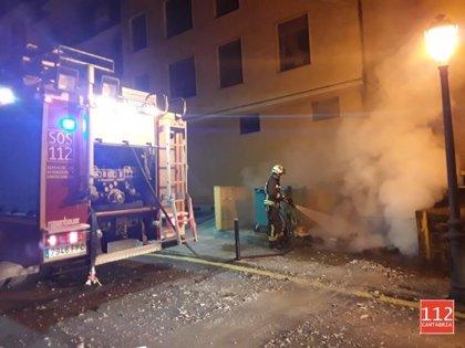 Sofocado un fuego en una caldera en Treto y en un contenedor en Liérganes