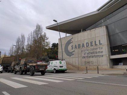 El Govern cambia por paneles las tiendas militares del hospital de campaña de Sabadell (Barcelona)
