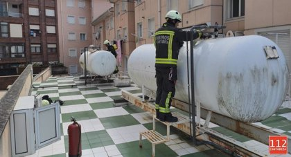 Un escape en un tanque de gas en Laredo obliga a desalojar un edificio colindante