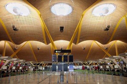 Aterriza en Madrid uno de los dos aviones con material sanitario comprado en China por la Comunidad